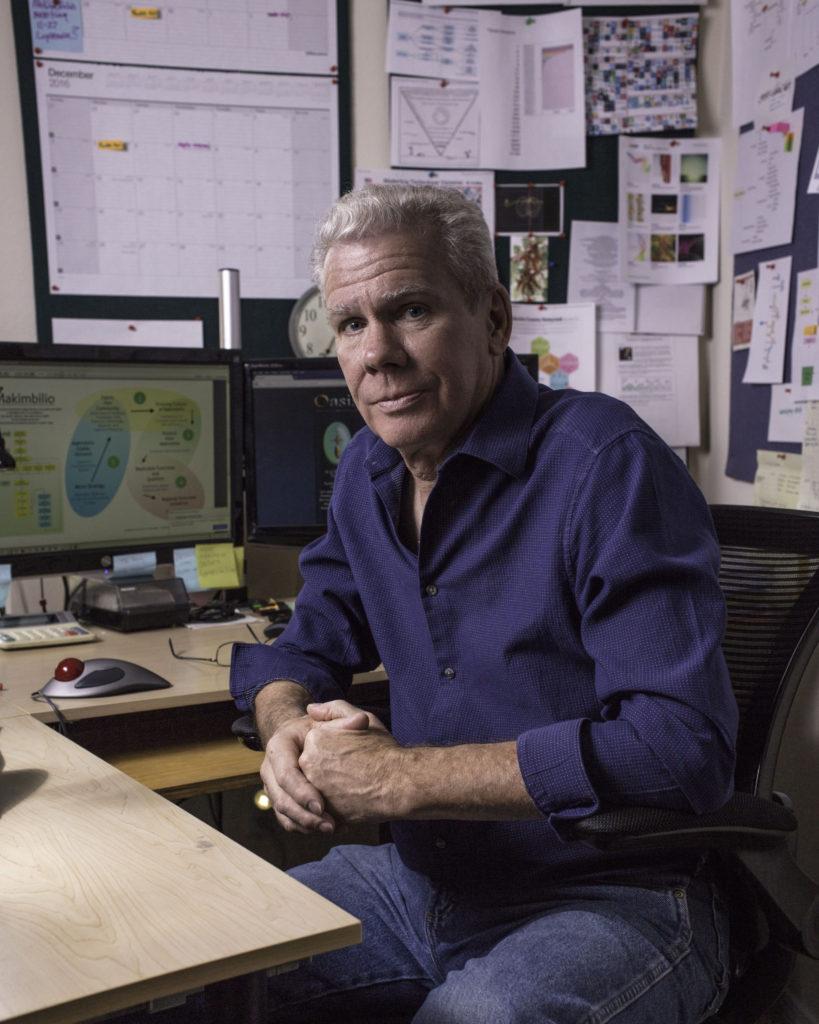 Farrell in studio-web
